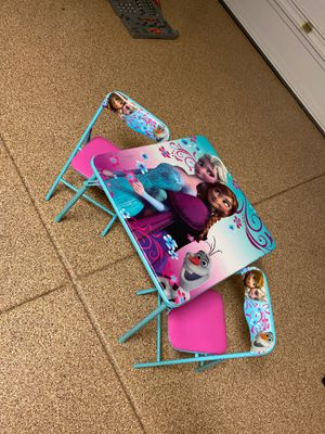 Kids frozen table and chairs - Metal frame for Sale in Laveen Village, AZ