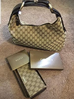 100% Authentic Gucci Wallet ONLY. GUCCI BAG IS NOT INCLUDED BUT YOU MAY BUY SEPARATELY. for Sale in Odenton, MD