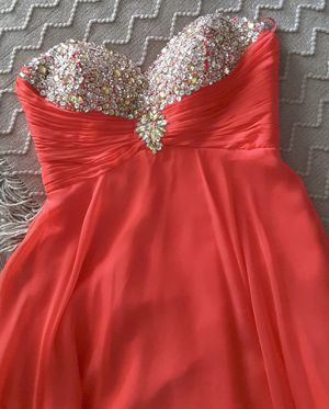Prom dress size 4 for Sale in Riverside, CA
