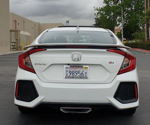 HONDA CIVIC si 2017 TRANSMISSION MANUAL TITULO SALVAGE for Sale in Los Angeles, CA