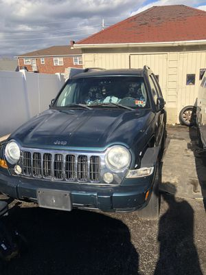 Jeep 2005 liberty selling parts only for Sale in Paterson, NJ