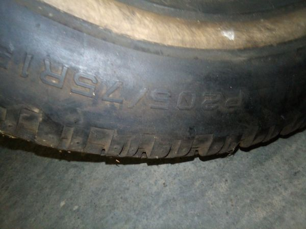 2 Studded tires 205.75.15