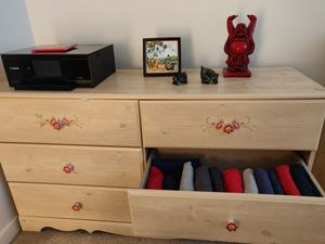 Dresser and 2 nightstands for Sale in Bethesda, MD