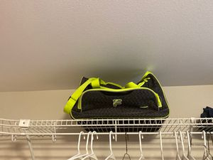 Small Duffle bag for Sale in Redmond, WA