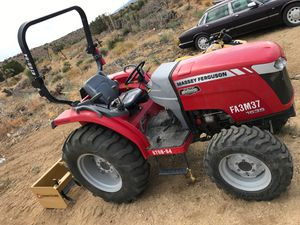 tractor for dirt level on property for Sale in Fontana, CA