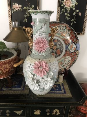 Beautiful vase for Sale in Pomona, CA