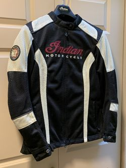 Indian Motorcycle- (M) Ladies riding jacket w/armor for Sale in Kent,  WA