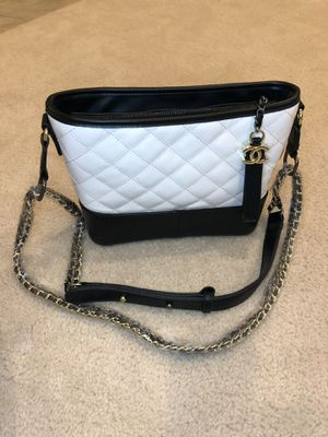 CC black and white fashion crossbody bag for Sale in Henderson, NV