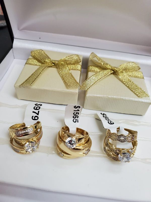 set of wedding rings with very good discounts 14k gold