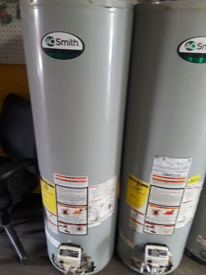 Only today water heater for 140 whit installation for Sale in Moreno Valley, CA