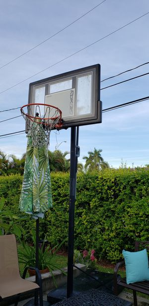 Basketball extendable hoop for Sale in Miami, FL