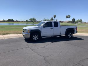 2013 Chevy Silverado Extended Cab Z71 4x4 for Sale in Mesa, AZ