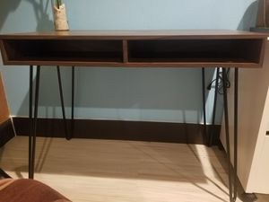 Desk/entry table for Sale in Yucaipa, CA