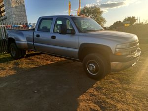 2001 Chevy Silverado Super Duty 4x4 for Sale in Lytle, TX