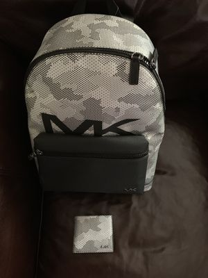 Michael Kors Backpack and wallet for Sale in Cedar Hill, TX