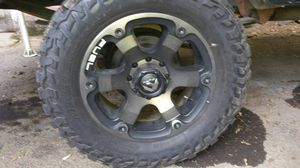 """20"""" fuel rims/35""""mastercraft tires. Great condition, 80% tread for Sale in Portland, OR"""