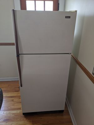Whirlpool refrigerator 18.1 cu ft model tt18ek for Sale in St. Louis, MO