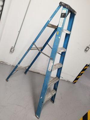 Ladder escalera 6.5 feet pies for Sale in Miami, FL