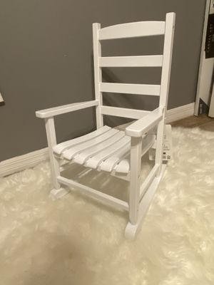 Kid wooden chair (Brand New) for Sale in Davenport, FL
