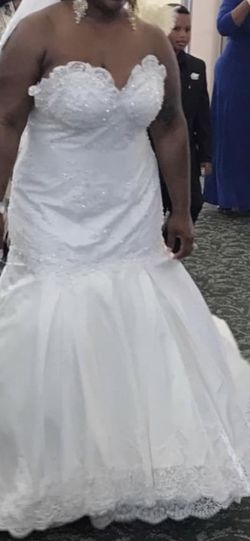 Plus size Wedding Vown for Sale in Virginia Beach,  VA