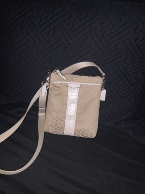 Coach Crossbody for Sale in Pico Rivera, CA