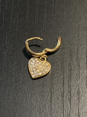 Yellow Gold heart diamond pendant earring for Sale in Rancho Cucamonga, CA
