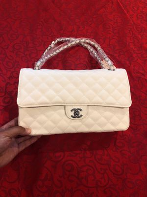 Chanel carrying handbag for Sale in North Olmsted, OH