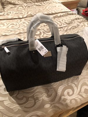 Brand new Michael kors travel bag for Sale in Queens, NY