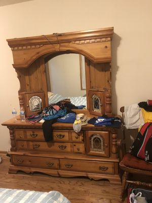 Bedroom set for Sale in Bensenville, IL