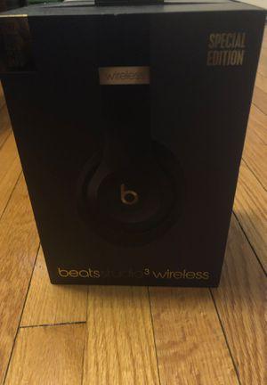 Beats studio headphones for Sale in Chicago, IL