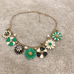 women flower necklace for Sale in Montclair, CA
