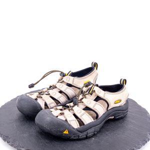 Keen Women's Sandals Size 8 for Sale in Omaha, NE