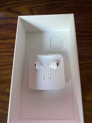 IPHONE 11 APPLE EARBUDS *WIRED* for Sale in Gardena, CA