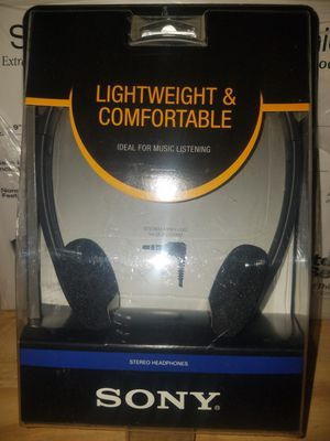 Sony lightweight and comfortable stereo headphones for Sale in Arnold, MO