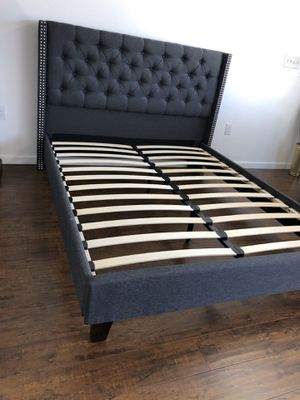 QUEEN BED FRAME $200 $20 DELIVERY 🚚 MATTRESS INCLUDED 💥 • Brand new in box • Hardware & instructions included • Price is firm • We do not assemble for Sale in Los Angeles, CA