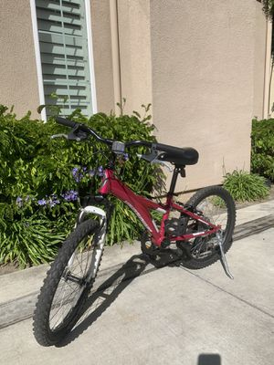 "DIAMONDBACK Tess 20 Youth Girls 20"" Wheel Mountain Bike (Pink) for Sale in Huntington Beach, CA"