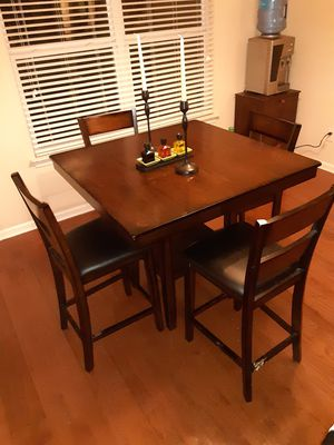 Breakfast Table Top with 4 Chairs for Sale in Stonecrest, GA
