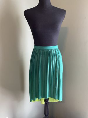 Reversible accordion-pleated skirt for Sale in Bristow, VA