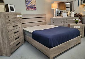 New queen size platform style gray bedroom set for Sale in Boiling Springs, SC