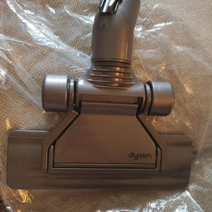 Dyson Flat Head For Hardwood Or Tile for Sale in Long Beach, CA