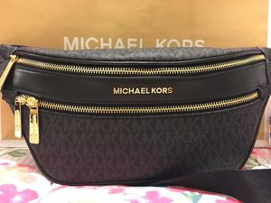 New Authentic Michael Kors Fanny Pack Waist Bag for Sale in Lakewood, CA