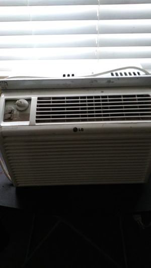 LG Window ac works like a champ for Sale in Denver, CO