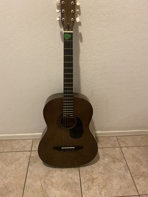 Acoustic guitar w/ soft padded case for Sale in Mesa, AZ