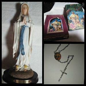 Virgin Mary Statue W/Extras for Sale in Eugene, OR