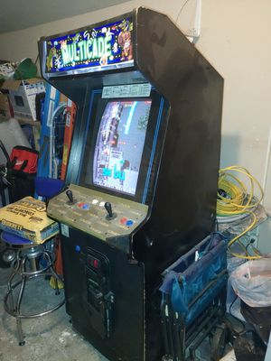 ARCADE CABINET WITH OLD 412 SKOOL GAMES WITH ELF SYSTEM for Sale in San Diego, CA