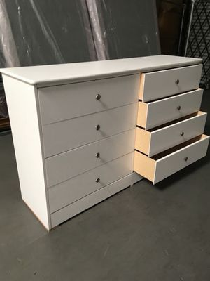 New compressed wood dresser 8 drawers for Sale in Compton, CA