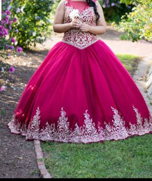 Quinceanera dress in perfect condition! From Mary's Bridal for Sale in North Providence, RI