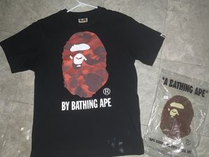 "Bape ape ""head"" red & black size sm 110$ for Sale in Euclid, OH"