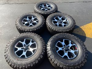 "(5) 17"" Jeep Rubicon Wheels 285/70R17 Bfgoodrich A/T KO2 - $1350 for Sale in Santa Ana, CA"