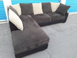 Comfortable sectional couch, include pillow for Sale in Phoenix, AZ